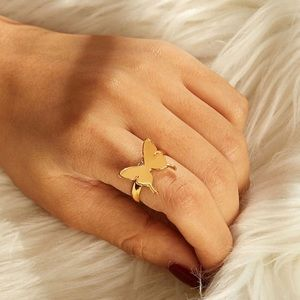 🦋 Adjustable simplistic butterfly ring 🦋